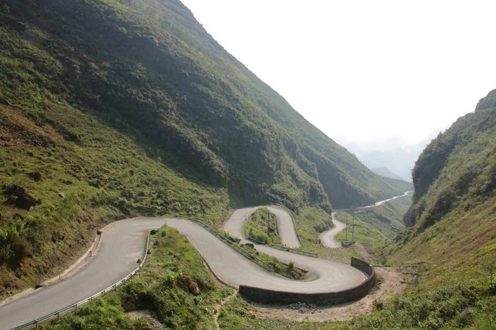 how hard is riding the ha giang loop sharp corners