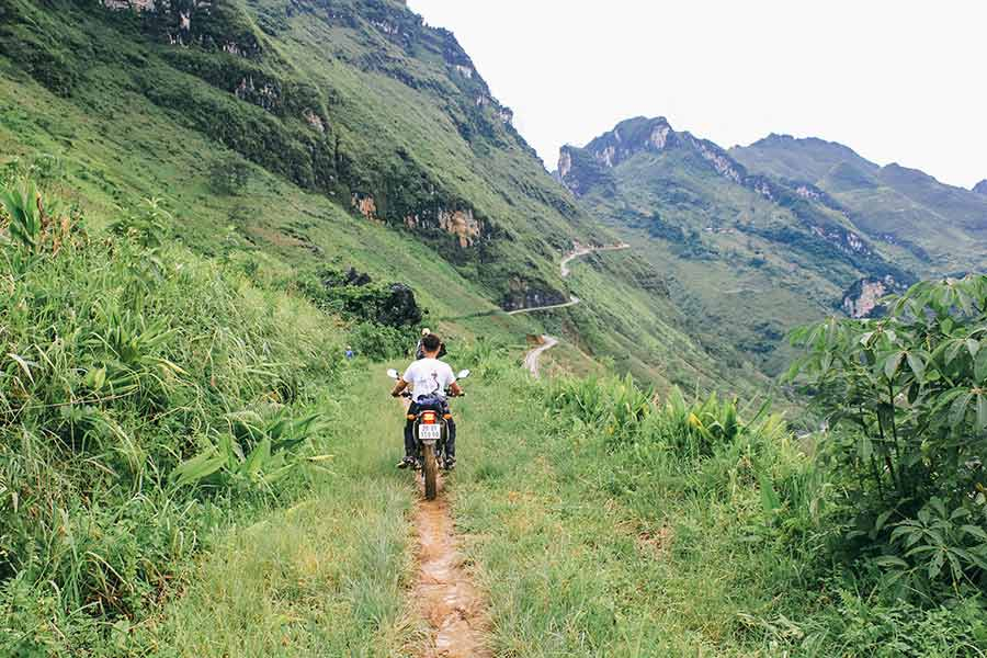 qt motorbike rental tours ha giang cao bang road 2
