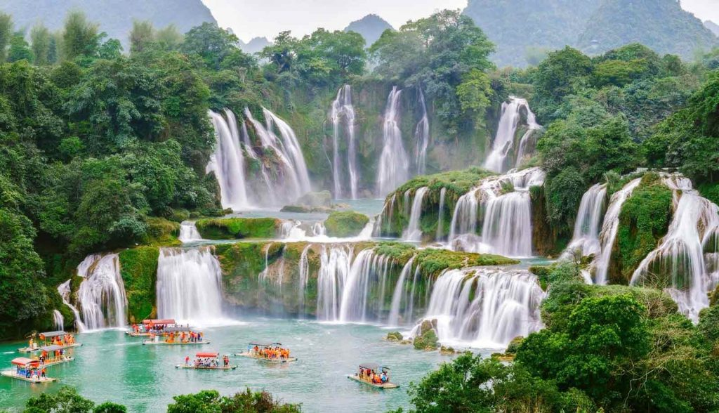 Ban Gioc waterfalls in Cao Bang