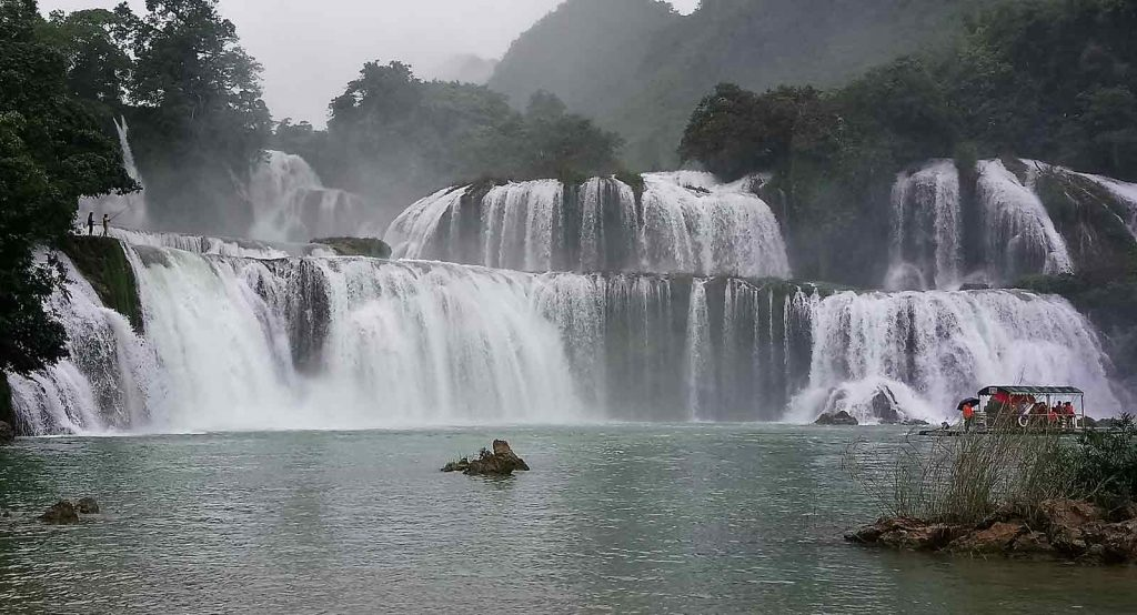 5 reasons to add Ba Be Lake to your itinerary in Vietnam - waterfalls